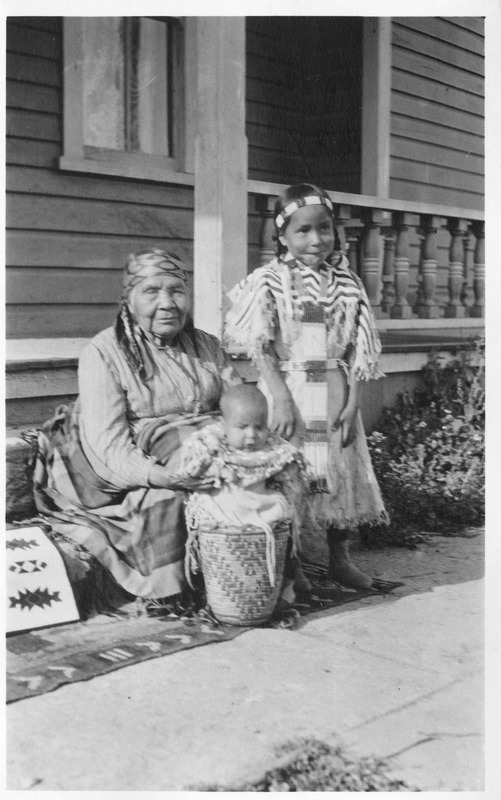 Indians_Portraits_Wildshoe_Family05.tif