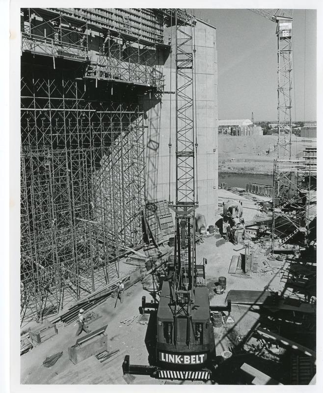 Expo_Construction23.tif