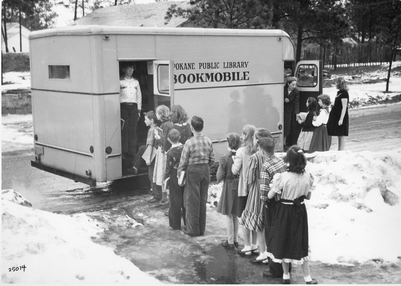 Spokane_Libraries_SPL_Bookmobile_img001.tif