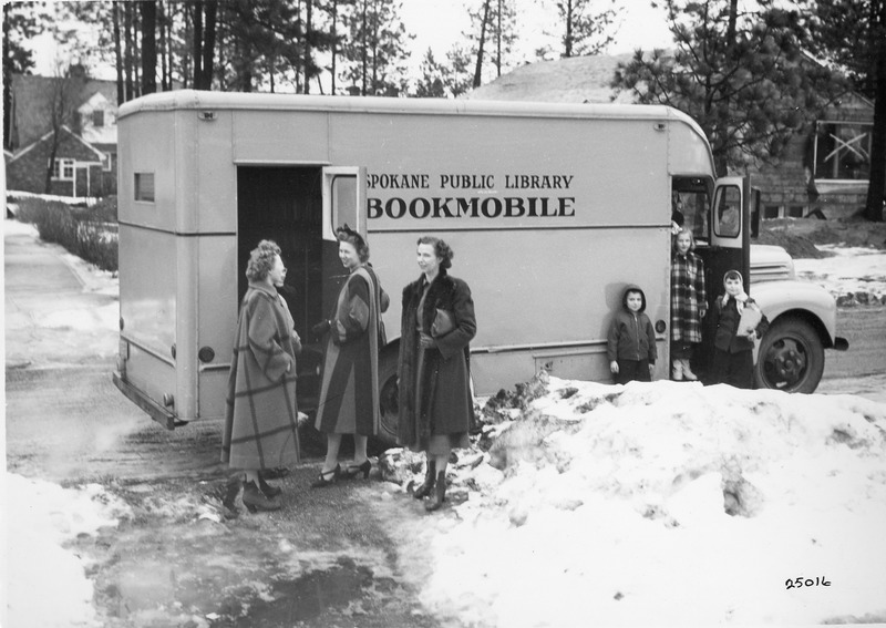 Spokane_Libraries_SPL_Bookmobile_img005.tif