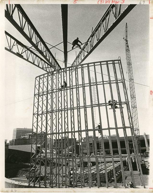 Expo_Construction30.tif