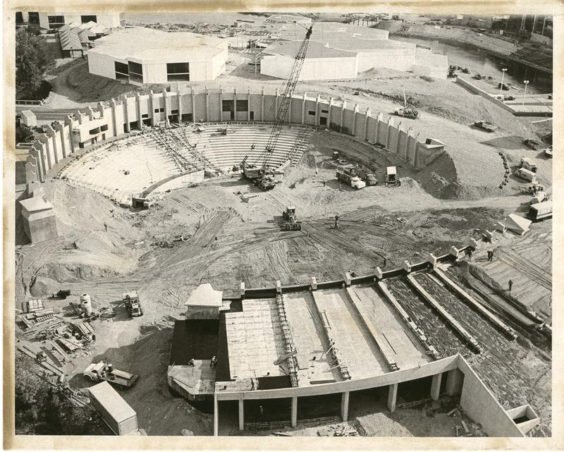 Expo_Construction09.tif