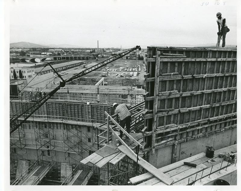 Expo_Construction37.tif
