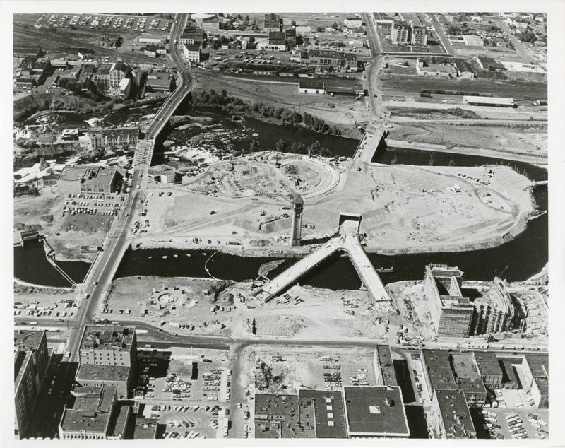 Expo_Construction34.tif