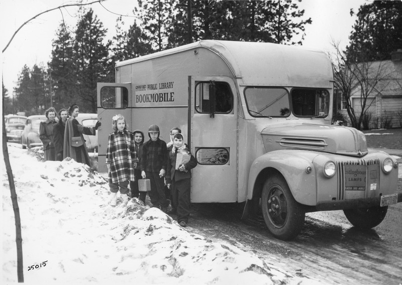 Spokane_Libraries_SPL_Bookmobile_img006.tif