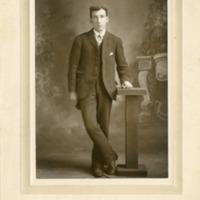Northwest -- Portraits -- Thom Family (#12)