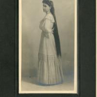 NW -- Portraits -- Dereberry family (#11)